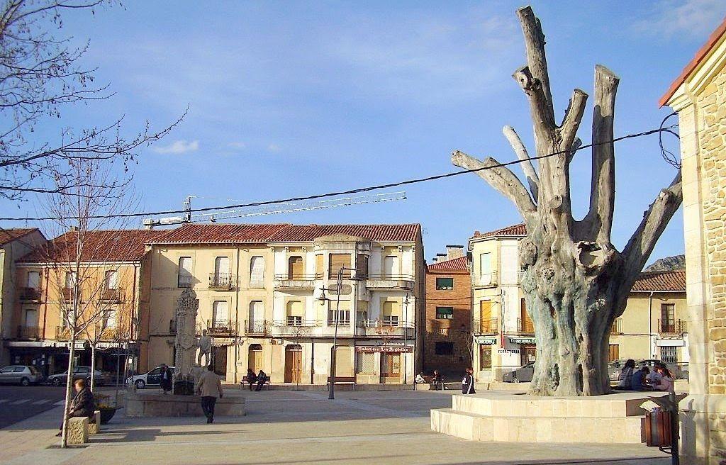 Imagen del Negrillón de Boñar a partir de las década de los 90. (Foto: Lala)